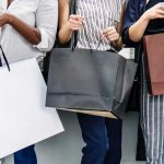 Learn about the science behind emotional spending and how to stop impulse buying via lillaliptak.com #emotionalspendingtruths #impulsebuying #emotionalshopping #lillaliptak